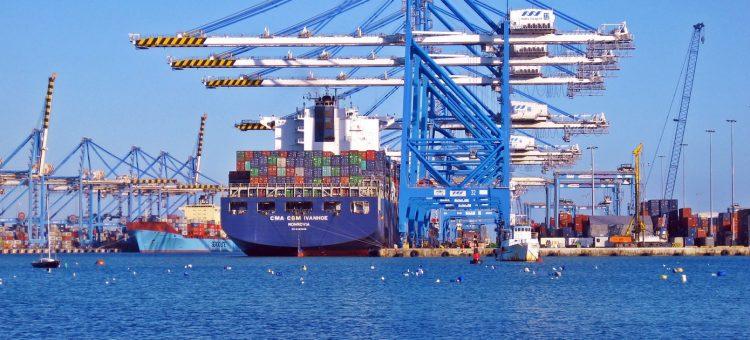 Pourquoi le transport de voiture par bateau est-il autant plébiscité ?