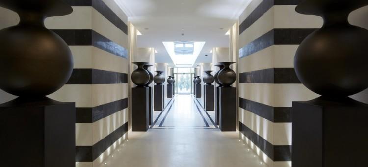 Agence commerciale parisienne en mobilier design, outdoor
