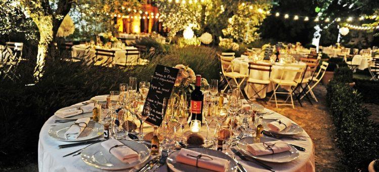 Comment organiser un cocktail dînatoire d'entreprise dans le Vaucluse