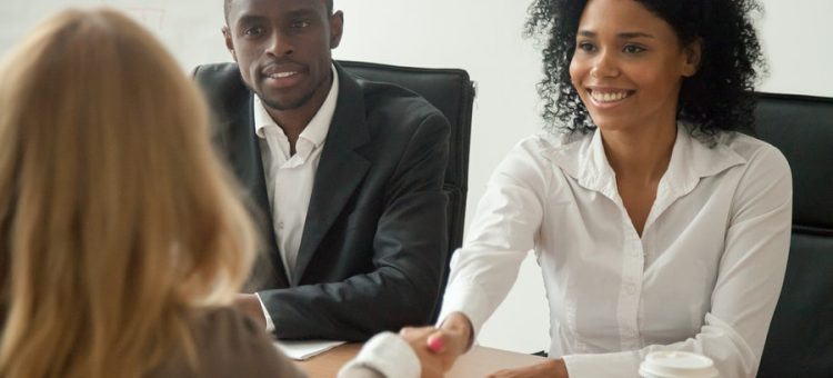 Des conseils pour recruter rapidement de nouveaux employés