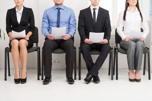 Comment se démarquer des autres candidats pour le poste de commercial?